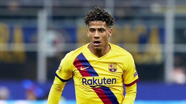Барселона отрече да има сделка с Милан за Тодибо