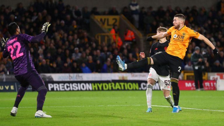 """Юнайтед не успя да отправи точен удар на """"Молиню"""", но си осигури преиграване срещу Уулвс (видео)"""