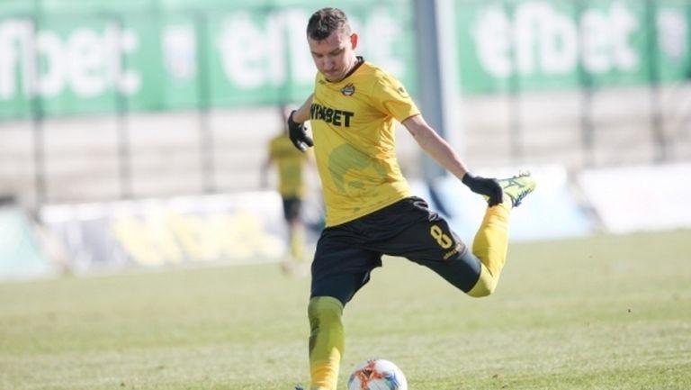 За втора поредна година: Тодор Неделев е най-добрият полузащитник в България