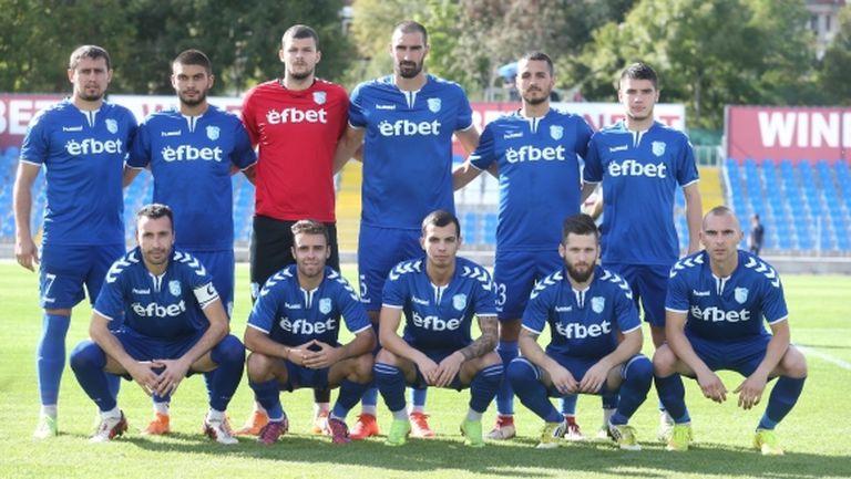 Спартак (Плевен) започва подготовка на 8 януари, футболисти напускат заради безпаричие