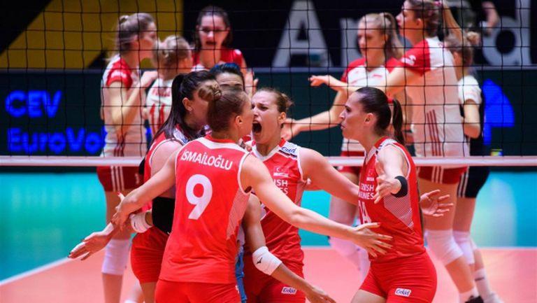 Турция на финал на олимпийската квалификация след епичен обрат срещу Полша (видео + снимки)