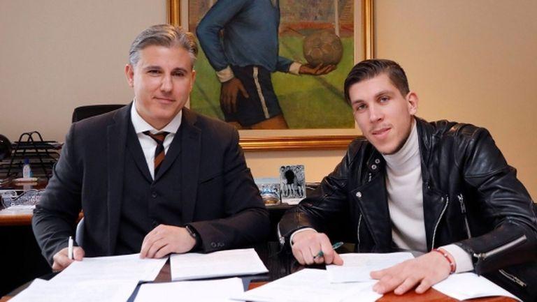 Официално: Стайн Спиерингс подписа с Левски (снимки)