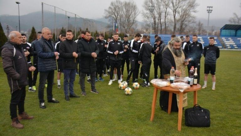Септември (Симитли) започна подготовка с 26 футболисти и нов треньор