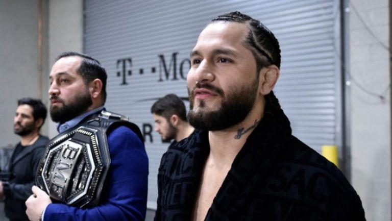 Хорхе Масвидал втрещи всички и се появи по халат на UFC 246 (видео + снимки)