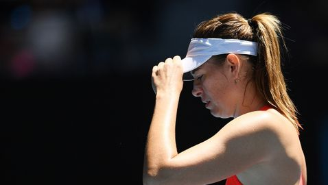 Шарапова изхвърча от Australian Open, Плишкова и Бенчич продължават напред