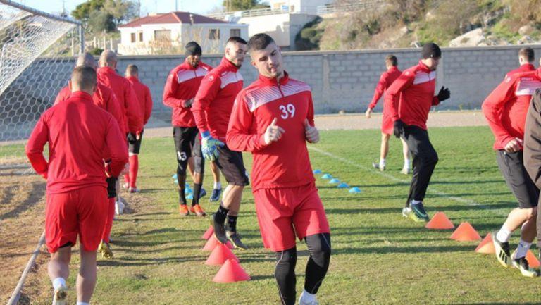 Царско село с първи две тренировки в Кипър