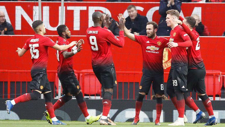 Юнайтед победи Рединг, а Солскяер влезе в историята