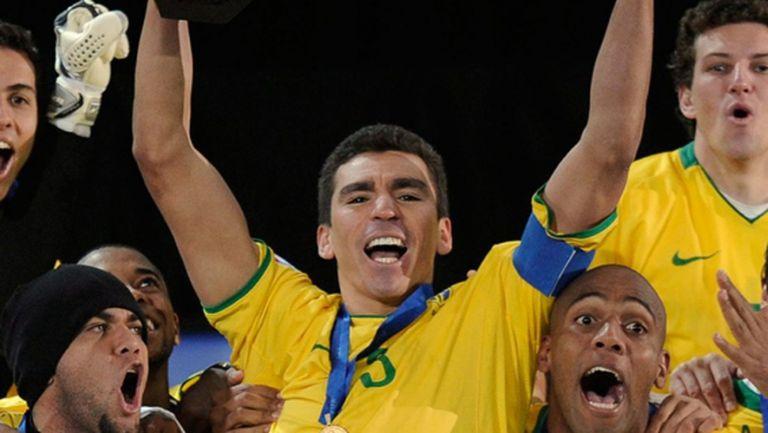 Лусио обяви края на кариерата си