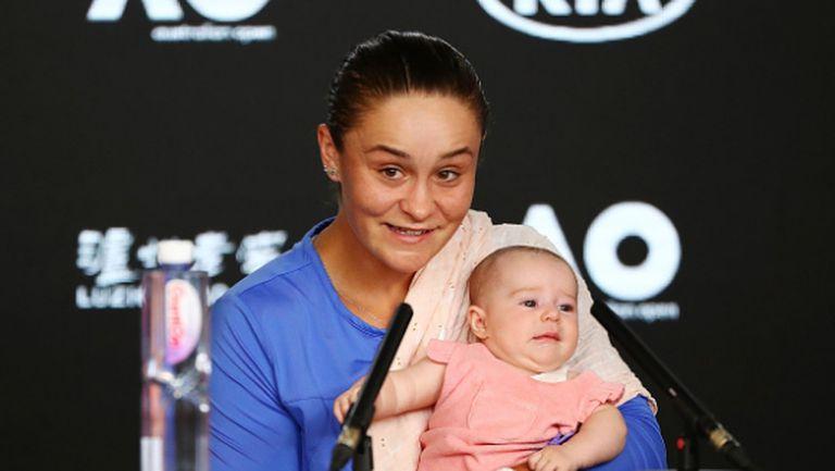 Тенисистка се появи с бебе на пресконференцията си