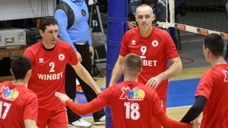 47-годишният Ивайло Стефанов вдъхнови ЦСКА за успех над Левски (галерия)