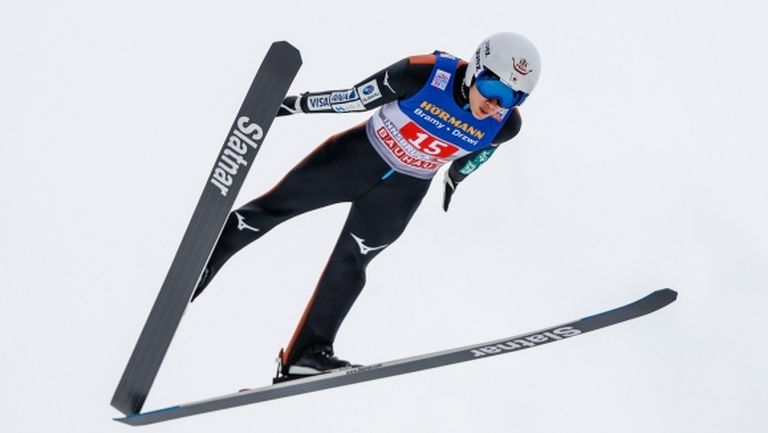 Японски триумф в Световната купа по ски скокове в Сапоро