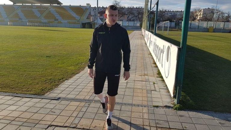 Тодор Неделев хвърли патериците и влезе във фитнеса