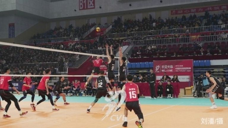 Коронавирусът удари и волейбола в Китай