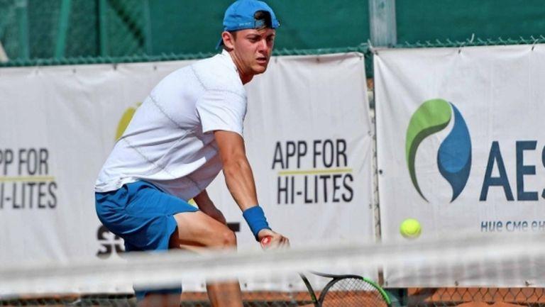 Лазаров е четвъртфиналист и на двойки в Анталия