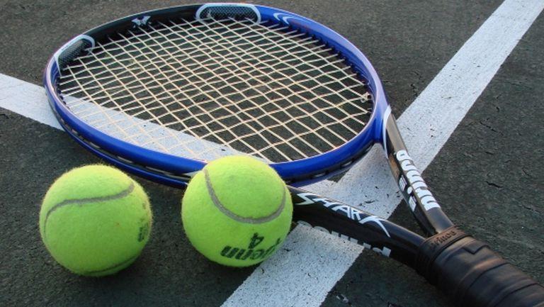Чакърова отпадна във втория кръг на турнира по тенис в Мексико