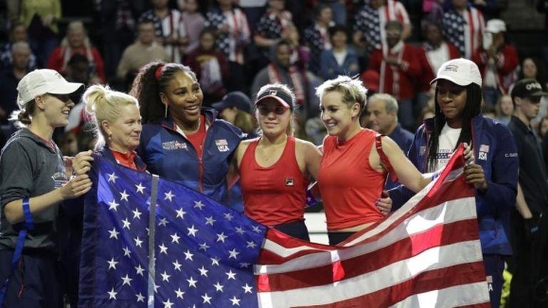 """Серина Уилямс допусна първа загуба на сингъл в кариерата си във """"Фед къп"""", но САЩ се класира за финалите"""