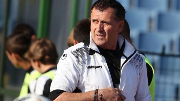 Акрапович взе трима нови в групата за Дербито, основен футболист пропуска мача