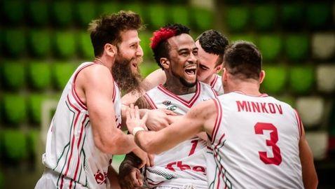България с първа победа по пътя за ЕвроБаскет 2021 след драма с две продължения (видео + галерия)