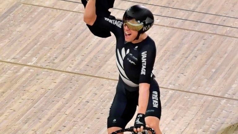 Новозеландският тийнейджър Корбин Стронг спечели световната титла в преследването