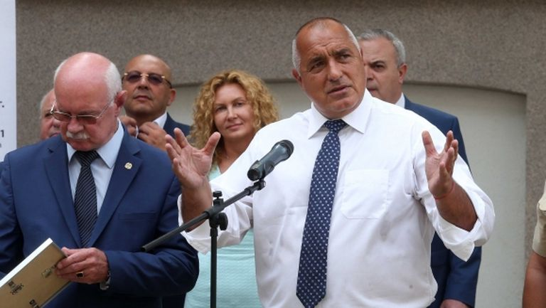 Бойко Борисов на среща с Локо и Ботев за разпределянето на милионите