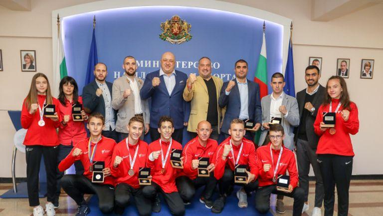 Министър Кралев награди медалистите от европейските първенства по таекуондо