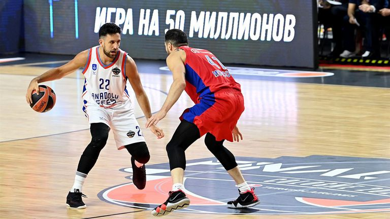 Агентът на Мицич: Няма да му позволя да отиде в НБА и да търка пейката
