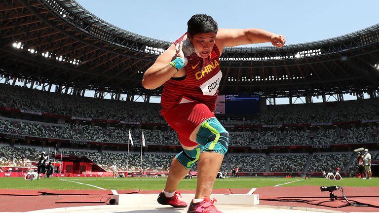 Китайка е новата олимпийска шампионка в тласкането на гюле
