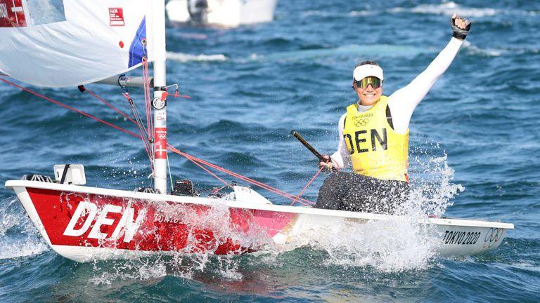 """Датчанката спечели титлата на олимпийската ветроходна регата в клас """"Лазер Радиал"""""""