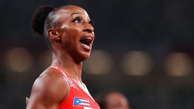 Камачо-Куин с олимпийски рекорд от 12.26 секунди в полуфиналите на 100 м/пр в Токио