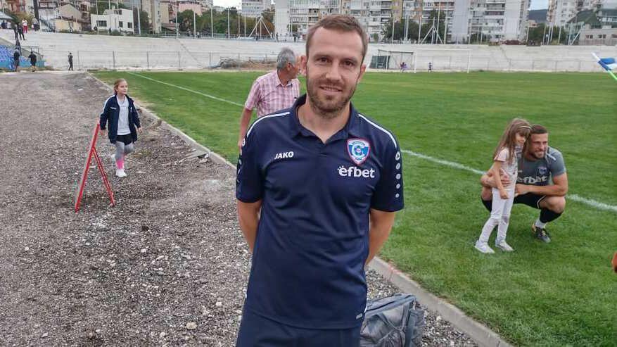 Треньорът на Спартак (Вн): Лекари зашиха главата на Румен Сандев