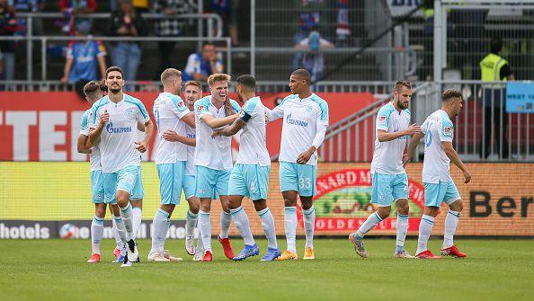Шалке срази Холщайн Кил с 3:0 като гост и записа първа победа за сезона