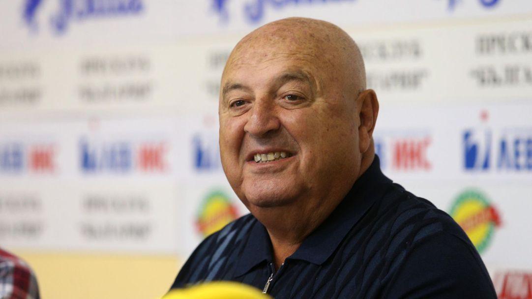 """Венци: Никой вече не се страхува от ЦСКА и Левски, на """"Герена"""" всеки ден се будят с още 10-20 бона назад"""