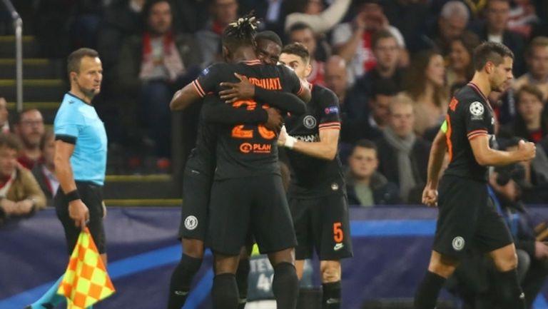 Челси нанесе първа загуба на Аякс през сезона (видео)