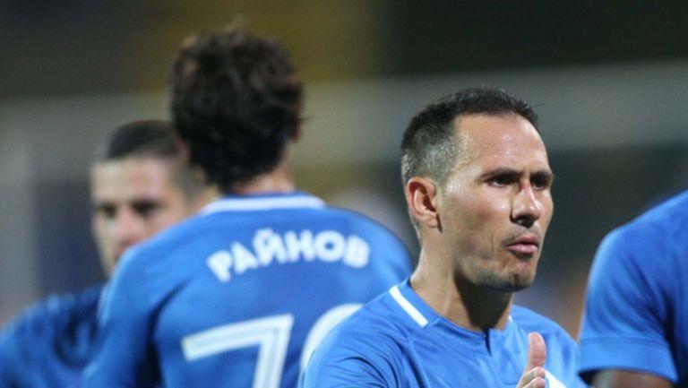 Още двама преподписват с Левски