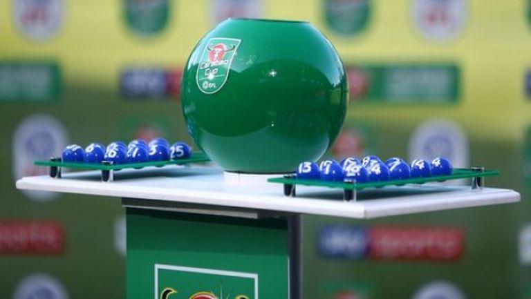 Фаворитите се разминаха на 1/4-финалите, АФЛ преговаря с Ливърпул за нова дата