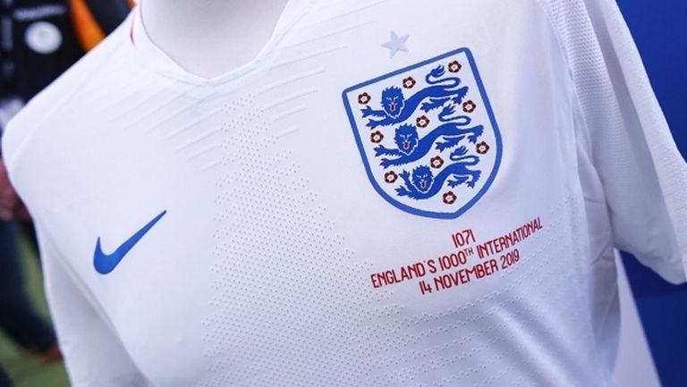 Англия ще почете със специални фланелки бившите си национали