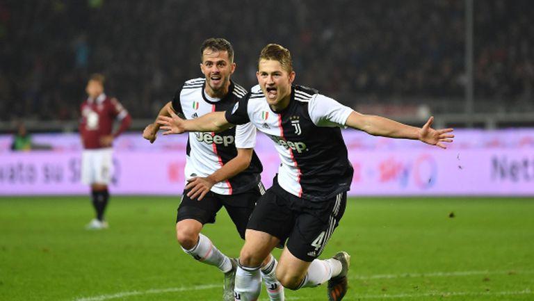 Де Лихт е получил контузия в дербито на Торино