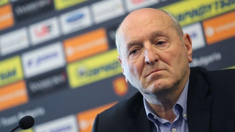 Президентът на БФС защити футболните съдии пред вътрешния министър