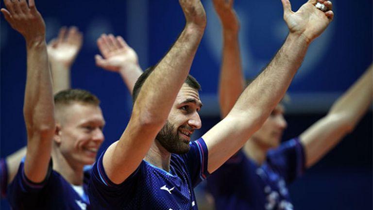 Силен Цецо Соколов с 14 точки, Зенит нанесе първа загуба на Динамо (Москва) в Русия (видео + снимки)