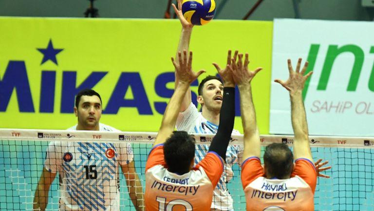 Георги Сеганов и Халкбанк с трета победа в Турция (снимки)