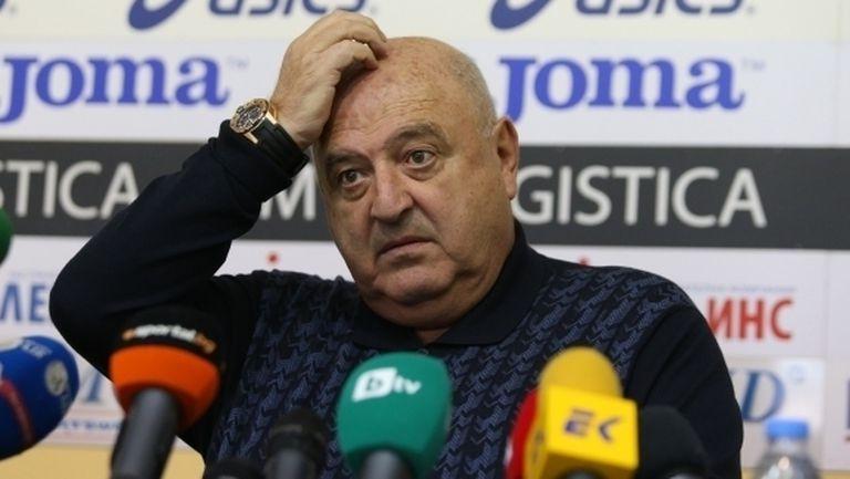 Венци Стефанов: Имаше чиста дузпа за нас, съдията тънко ги подпираше (видео)