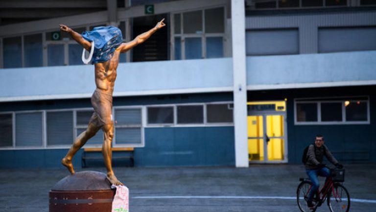Запалиха статуята на Ибра заради Хамарби