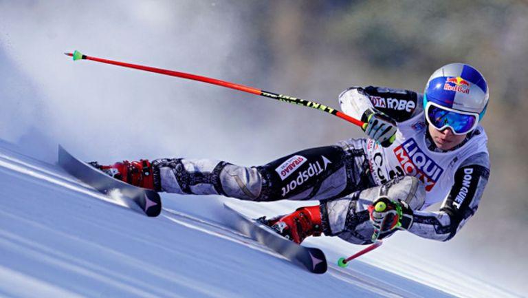 Ледецка взе първото спускане за сезона с историческо постижение