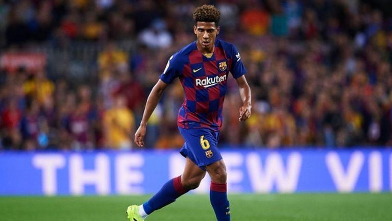 Милан се насочва към защитник на Барселона