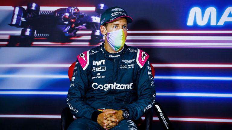 Себастиан Фетел е дисквалифициран от Гран При на Унгария заради нарушаване на правилата