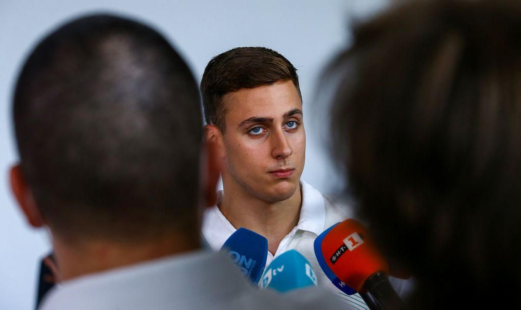 Новата звезда на българското плуване Йосиф Миладинов се завръща от Токио