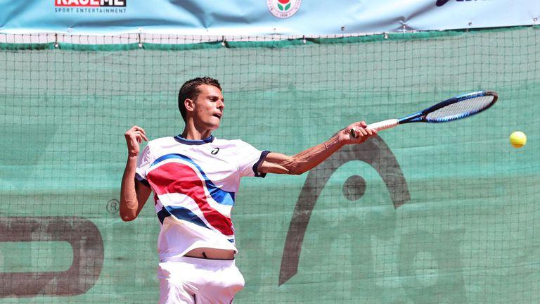 Симеон Терзиев не даде шанс на румънец в Питещ, на победа е от основната схема