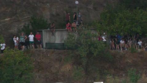 "Група гратисчии окупираха хълма до стадион ""Христо Ботев"" в Благоевград"