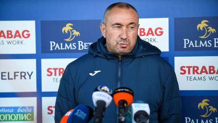 Станимир Стоилов преди дербито с Лудогорец: Надявам се да обърнем нещата в наша полза