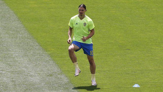 Ибрахимович отпадна от състава на Швеция за мачовете с Косово и Гърция